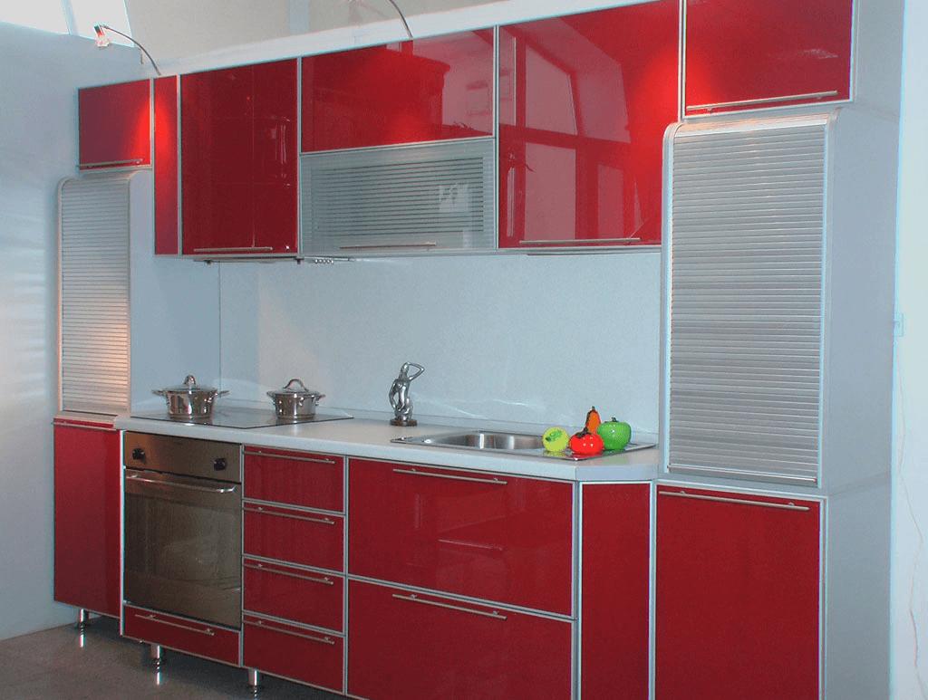 Фасады из цветного стекла в немецких кухнях Nobilia